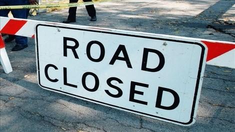 road_closed_16x910 Caption