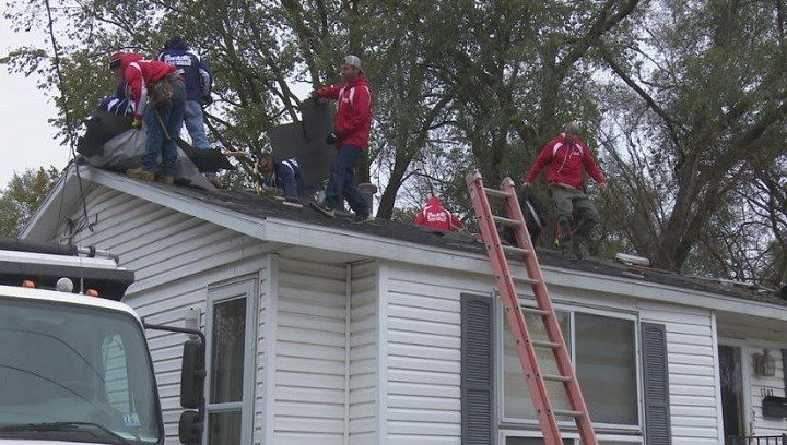 For Peoria Veteran Charlie Davis, a new roof was all his house needed to feel like home again.