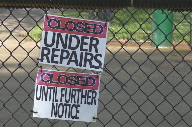 sign Placed on skate park gates